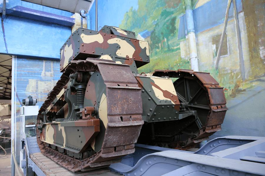 Renault FT 17 TSF - французский легкий танк. Редкий танк