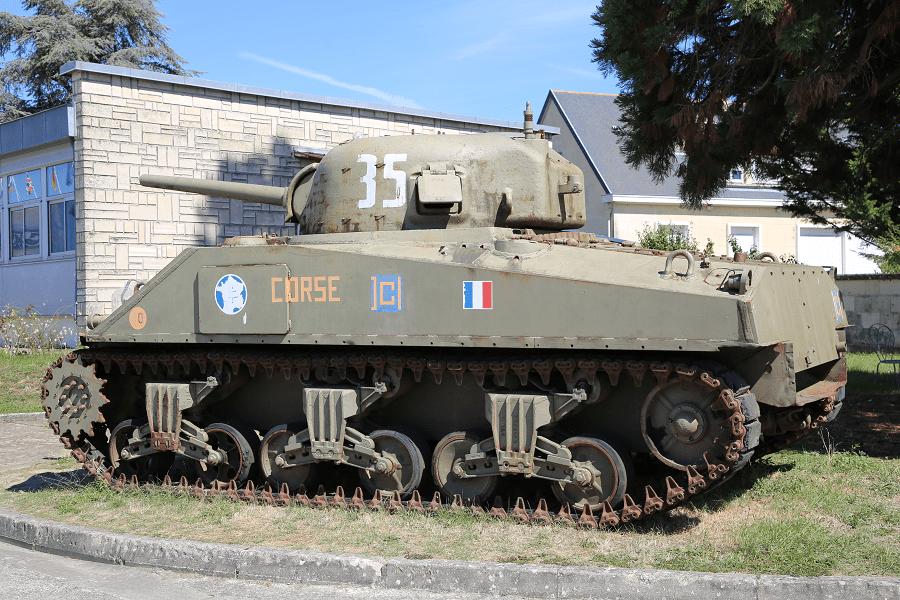 Американский Sherman M4 A2 - танк времен Второй мировой войны