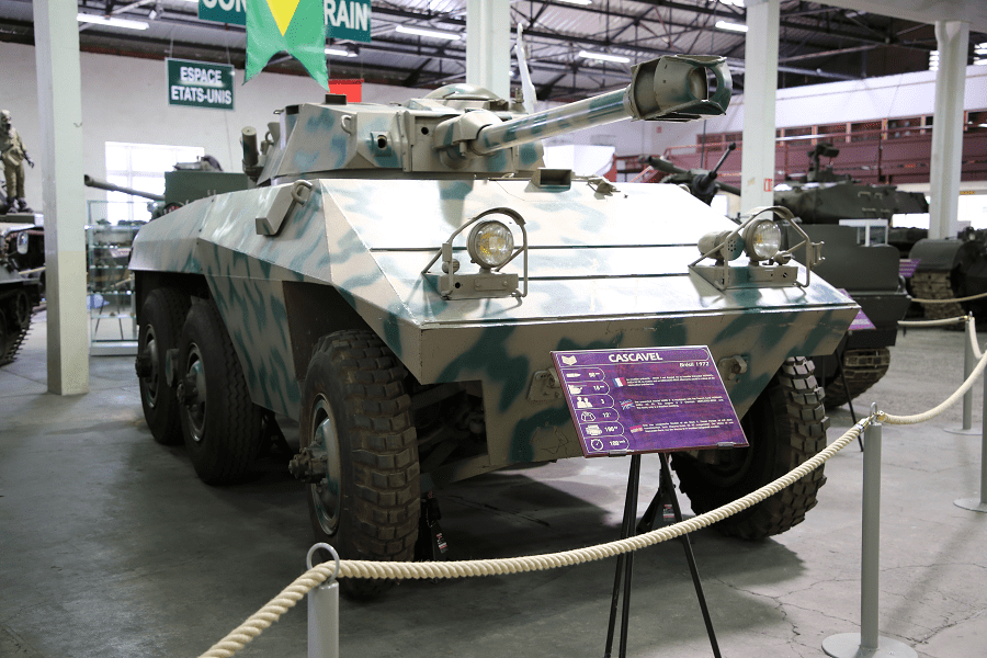 EE-9 Cascavel (Гремучая змея) - шестиколесный бразильский бронеавтомобиль
