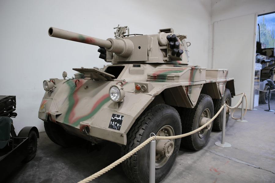 Британский FV601 Saladin - шестиколесный бронеавтомобиль, разработанный Crossley Motors
