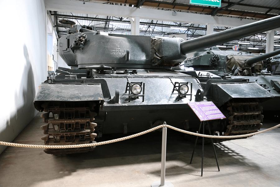FV 214 «Conqueror» (Завоеватель) — британский тяжёлый танк 1950-х годов
