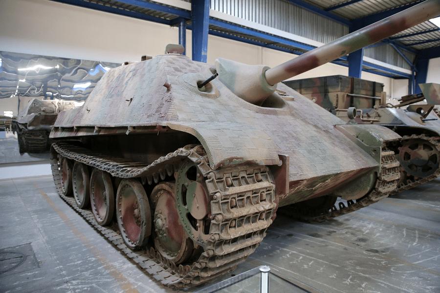 Jagdpanther (нем. «Охотничья пантера»), Sd.Kfz. 173 - немецкий истребитель танков Второй Мировой войны