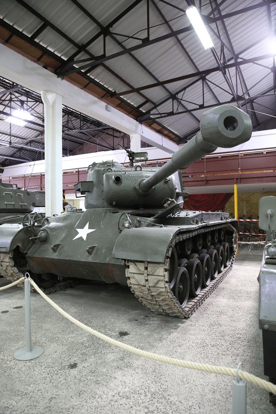 M26 Першинг - тяжелый/средний танк армии США времен Второй Мировой Войны