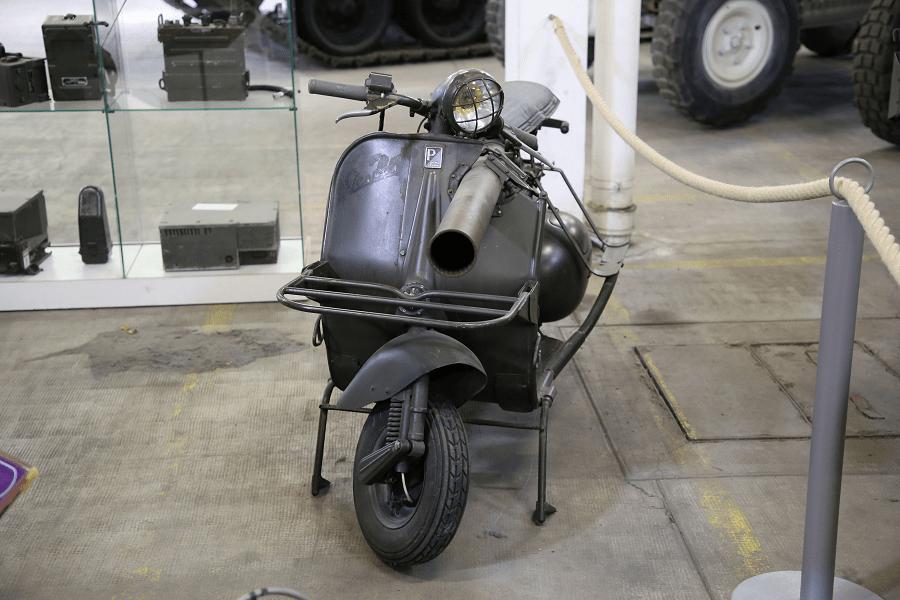 Vespa 150 TAP - противотанковый французский скутер времен Холодной Войны