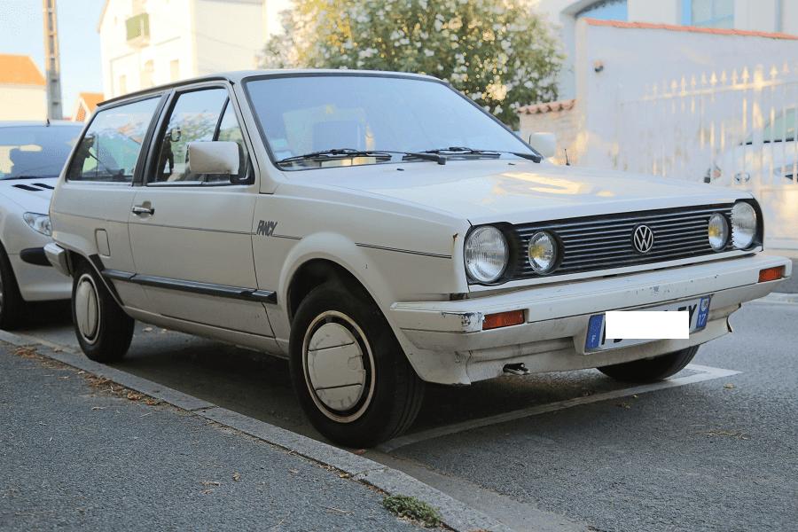 Белый Volkswagen Polo CL