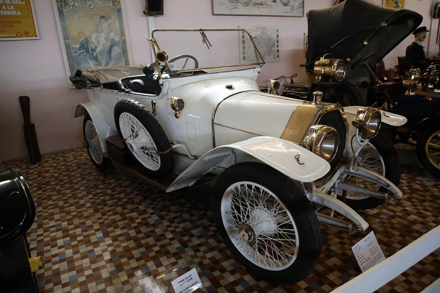 Белый Aries Type O Torpedo образца 1913 года