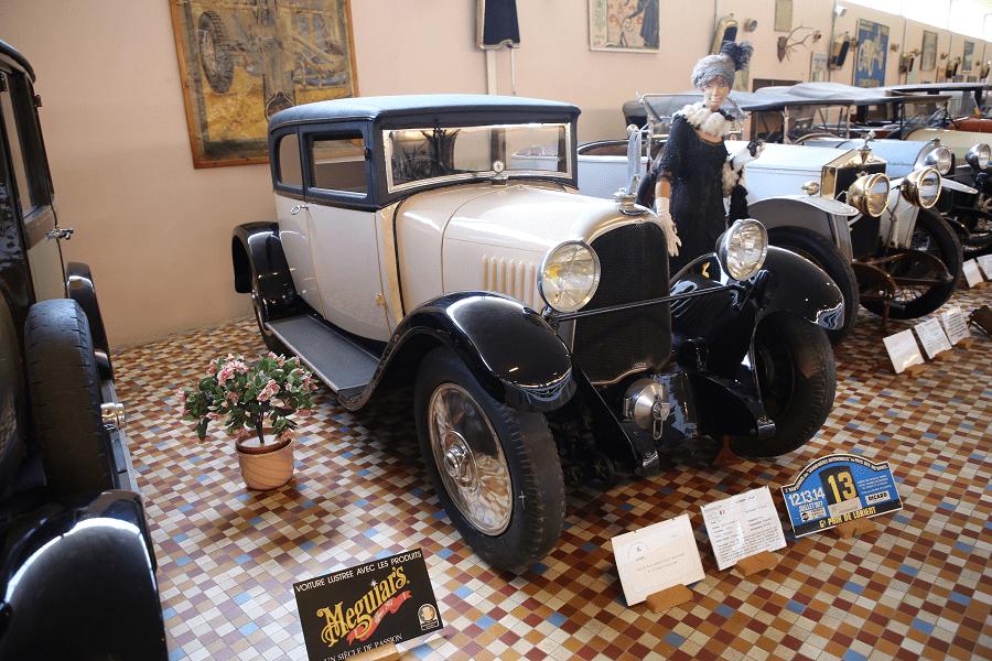 Белый Voisin Type C4 образца 1924 года с четырьмя цилиндрами