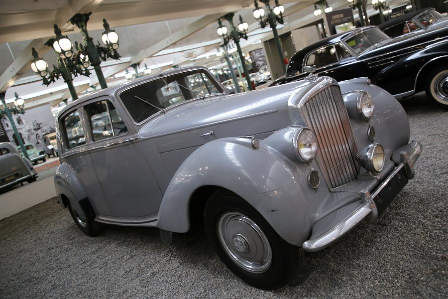 Английский Bentley седан Berline Type MK VI образца 1950 года