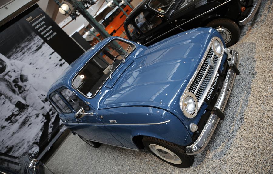 Renault Type 4 Export. Couleur bleue_caracteristiques_vue de cote_musees_retro