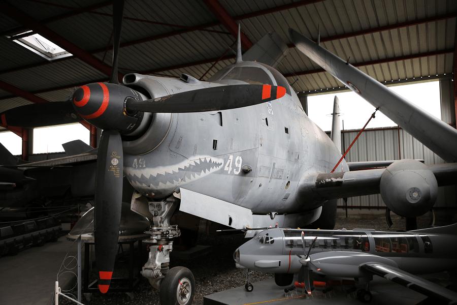 Bréguet Br.1050 Alizé - французский палубный противолодочный самолет