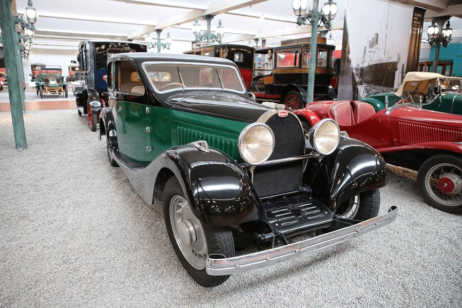 Французский Bugatti Berline Type 49 образца 1934 года