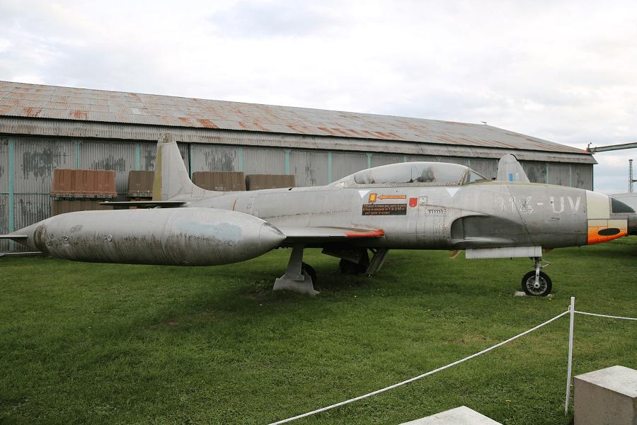 Canadair CT-133 Silver Star – канадская версия учебно-тренировочного реактивного самолета Lockheed T-33