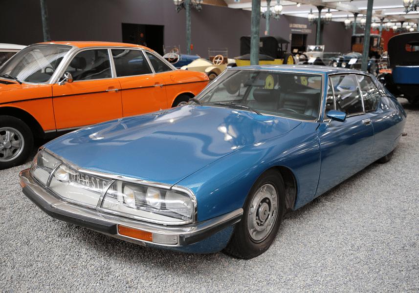 Голубое купе Citroën Type SM образца 1971 года