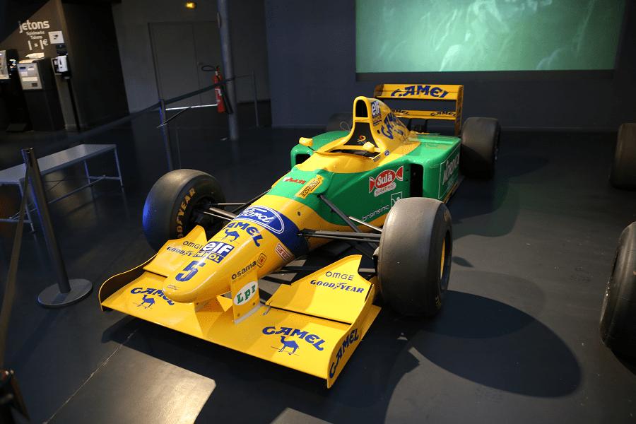 Гоночный F1 Benetton B193-01 образца 1993 года