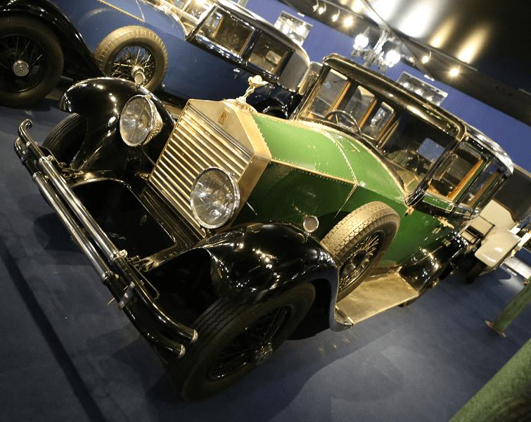 Зеленый Rolls-Royce Limousine TWENTY образца 1925 года