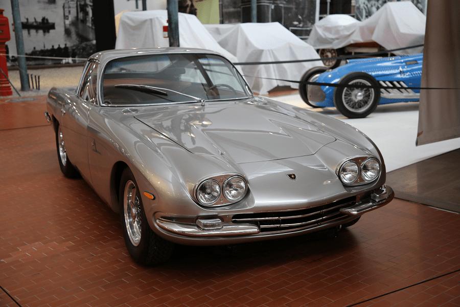 Серый Lamborghini 400GT 2+2 Superleggera образца 1966 года