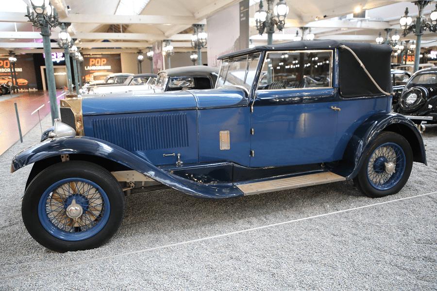 Синий Mercedes-Benz Cabriolet Type 600 образца 1928 года