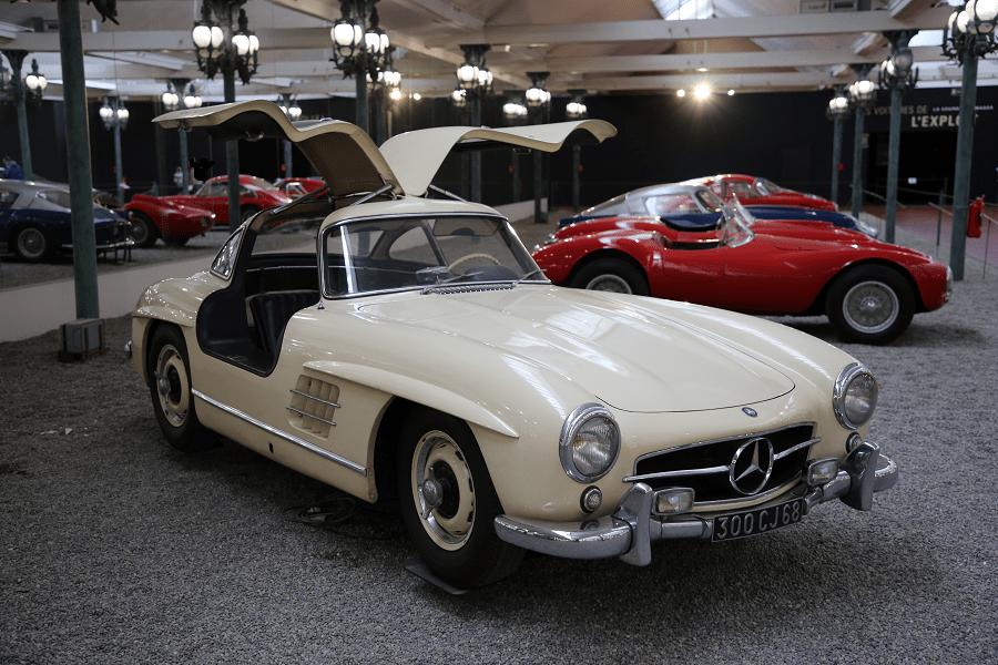Mercedes-Benz Coupe Type 300SL (крылья чайки) образца 1955 года