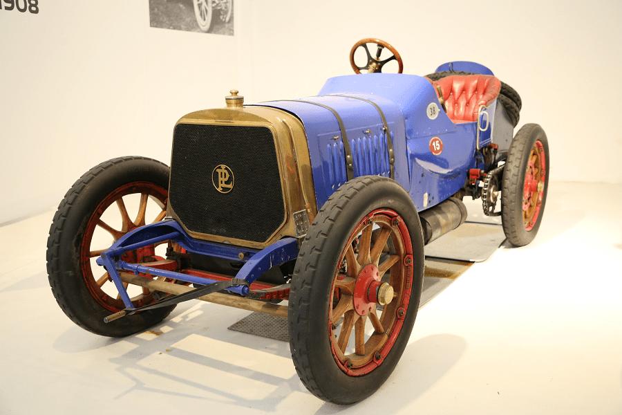 Синий Panhard Levassor Biplace Course образца 1908 года