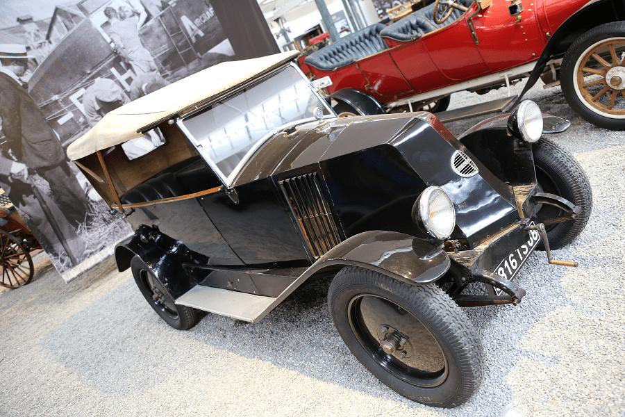 Renault Torpedo Type MT. Couleur noire