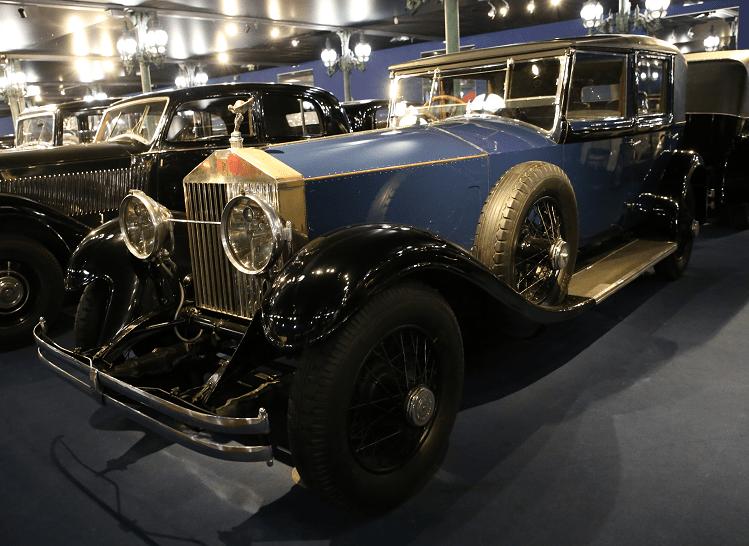 Синий Rolls-Royce Sedan Phantom I образца 1928 года