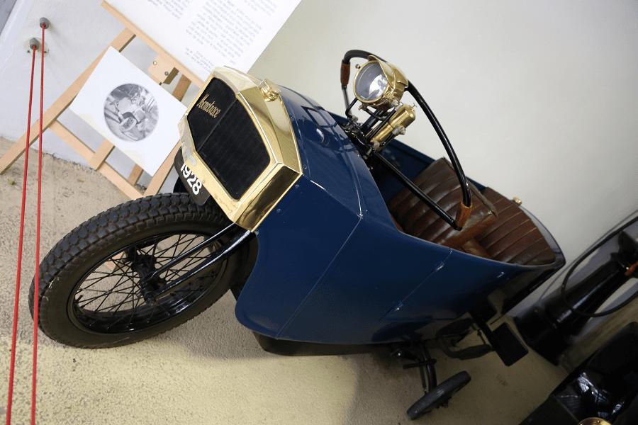 Французский Monotrace (легковой автомобиль) Biplace образца 1928 года