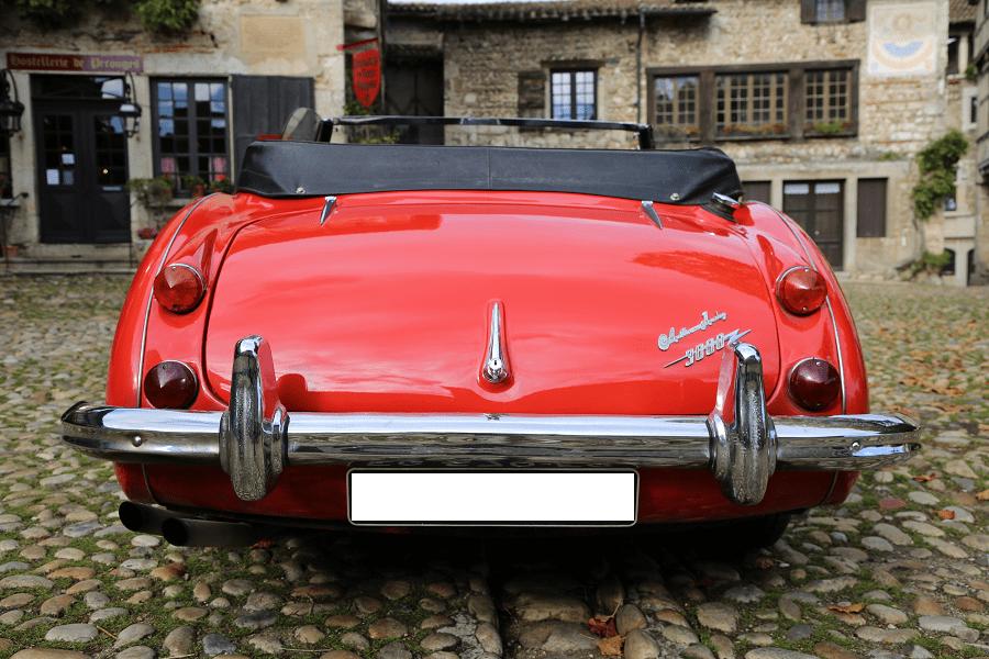 Austin-Healy 3000 Mk III. Couleur rouge_vue de derriere_restaurant