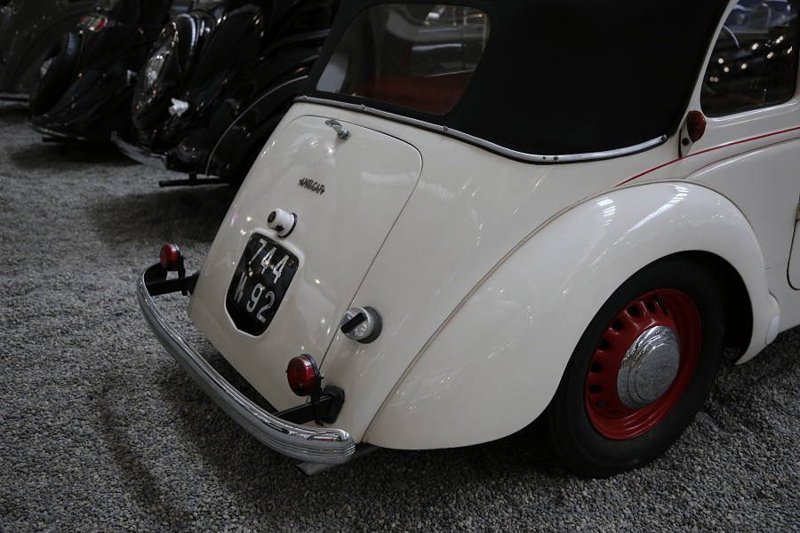 Amilcar Coach Type B38 Compound. Couleur blanche_phares_coffre_744 N92_roue rouge