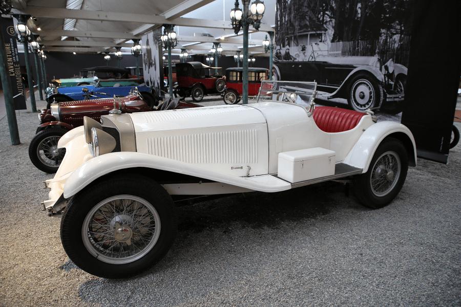Белый Mercedes Benz Biplace Sport Type 720 SSK образца 1929 года