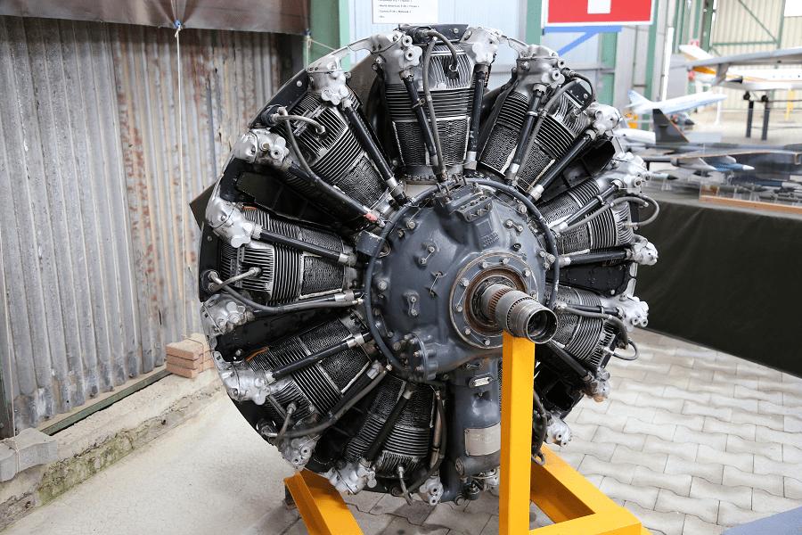 Авиадвигатель Wright R 1820-82B образца 1940 года