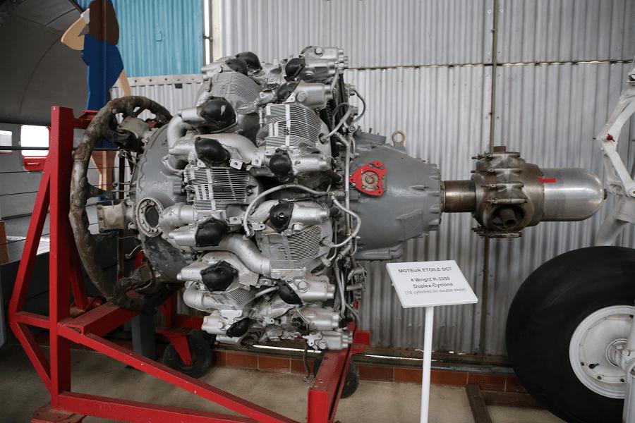 Wright R-3350 Duplex-Cyclone - двухрядный радиальный авиационный двигатель с наддувом
