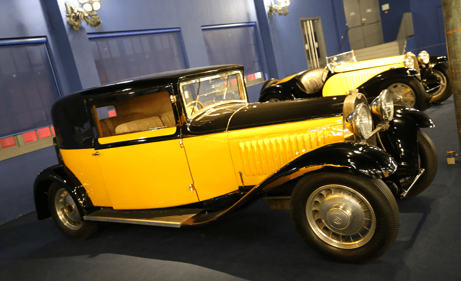 Желтый Bugatti Coupe Type 49 образца 1933 года