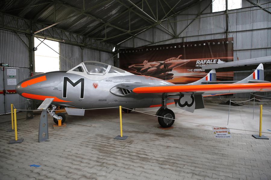 Mk 11 или DH.115 Vampire Trainer - прототип двухместного реактивного учебного самолета.
