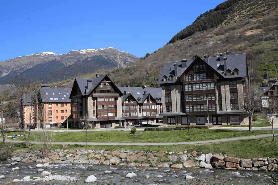 Vielha un centre touristique important dans les Pyrénées centrales