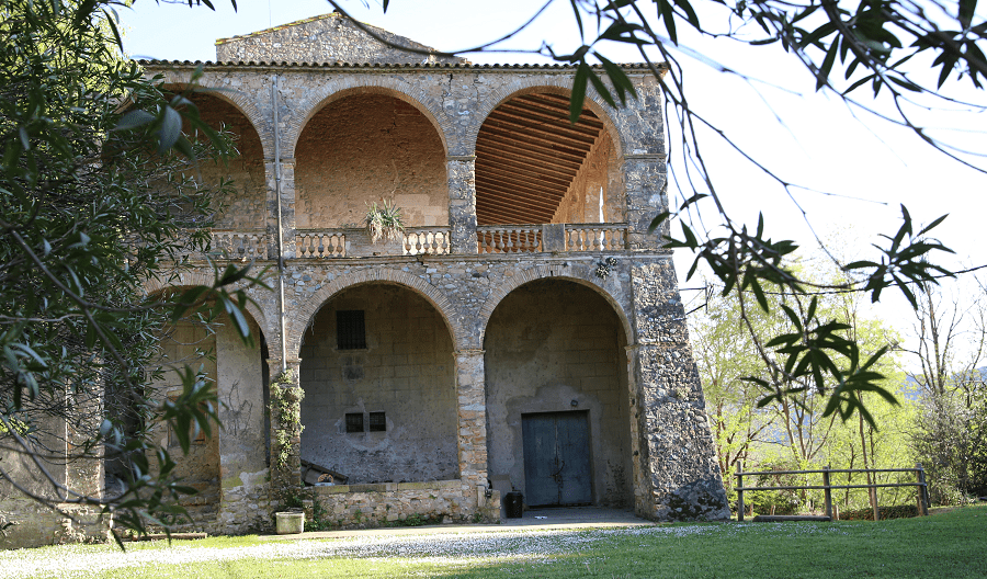 The Medinyà Castle - the response to the reforms of the Renaissance and neoclassicism