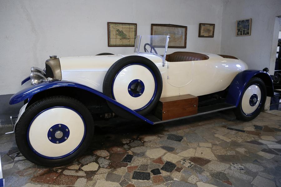 The Salvador Claret Automobile Collection